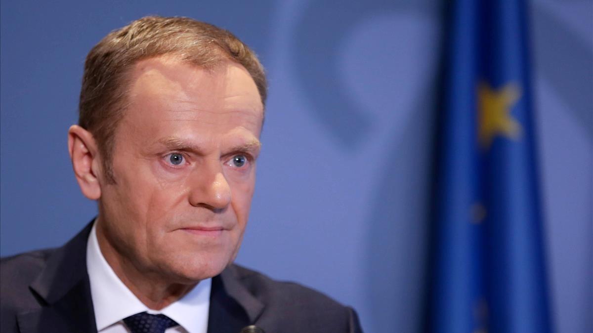 Donald Tusk, en una ruda de prensa junto al primer ministro de Luxemburgo, Xavier Bettel, este miércoles.