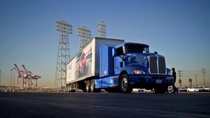 Camión en el Puerto de Long Beach, EE.UU.
