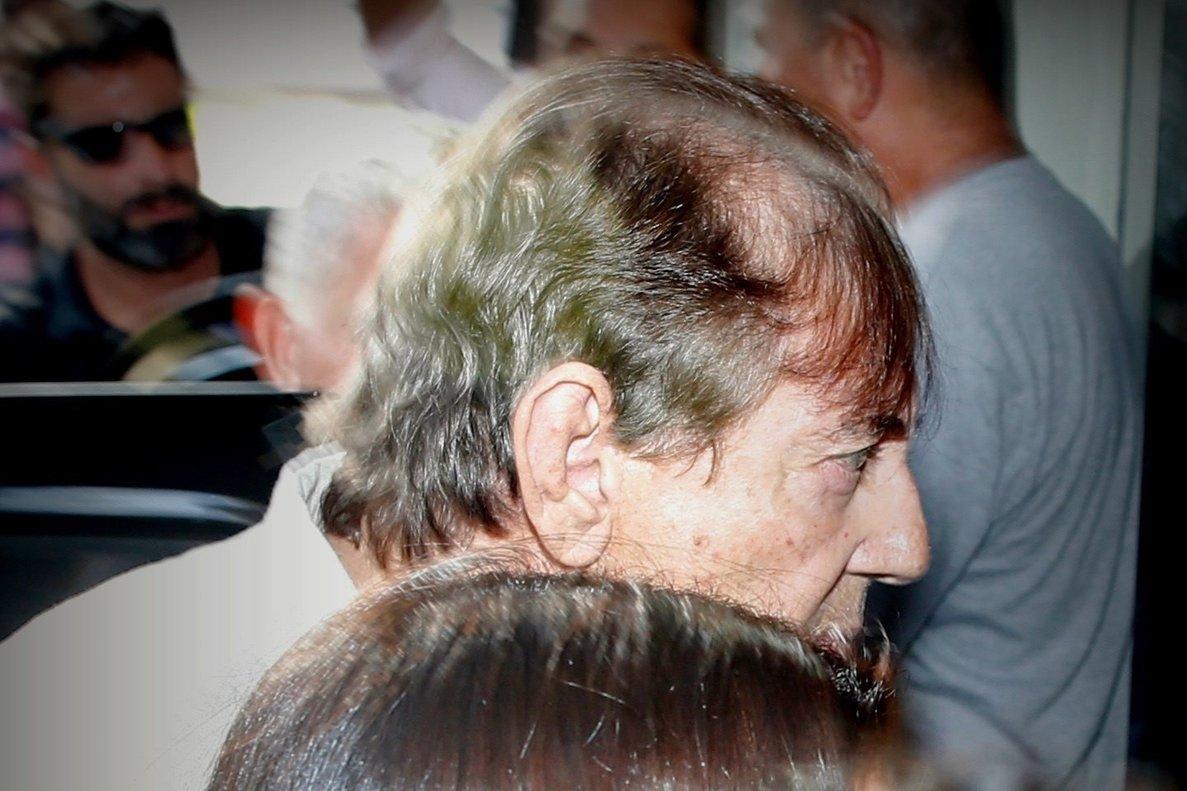 Medium brasileno Joao Teixeira de Fariaconocido como Joao de Deusse entregoa la Policia para cumplir con la orden de prision preventiva por los supuestos abusos sexuales cometidos contra cientos de mujeresinformaron fuentes oficiales.EFE Igo Estrela Metropole
