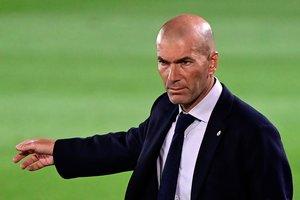 El entrenador del Real Madrid, Zinedine Zidane, durante el último partido de su equipo.