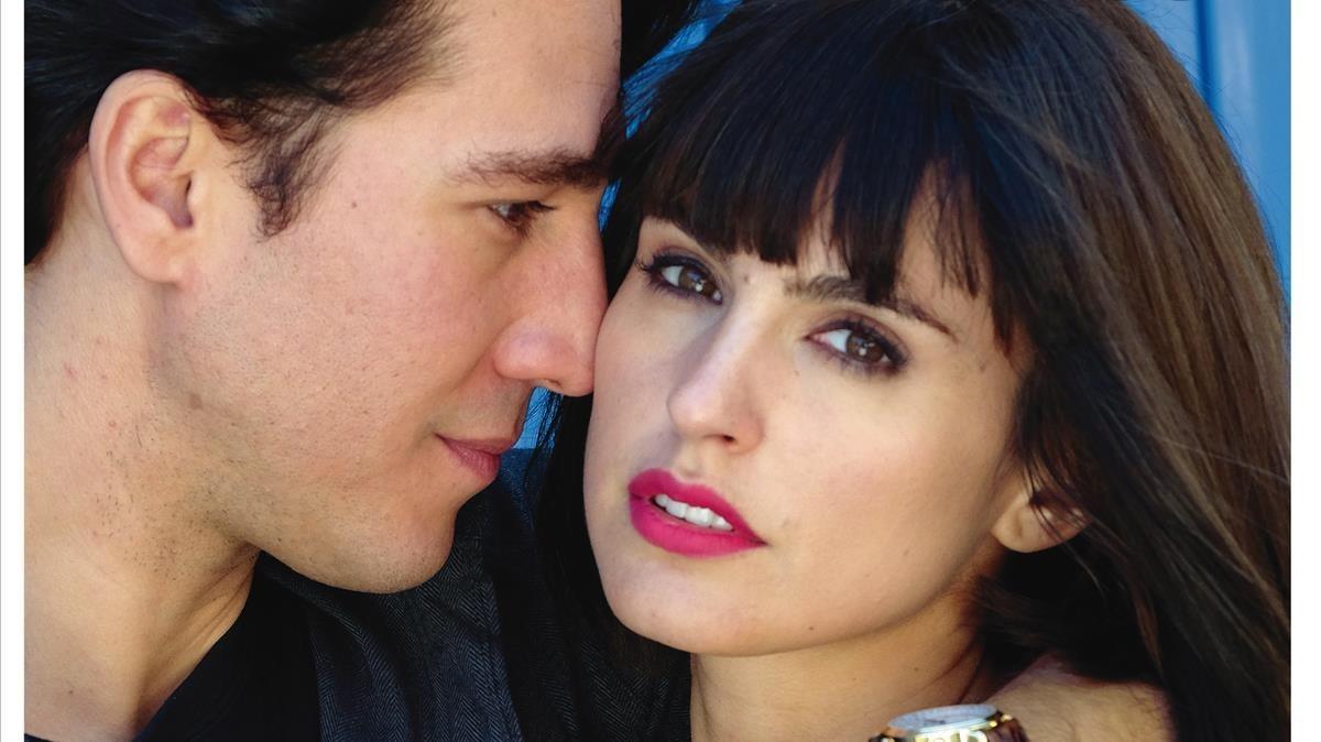 Alberto Ammann y Verónica Echegui, en la portada de 'Teletodo'.