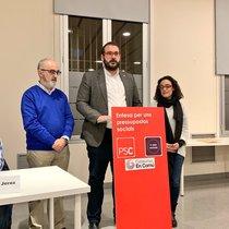 El alcalde de Mataró, el socialista David Bote, en compañía de Esteve Martínez, concejal de ICV-EUiA y Sarai Martínez, concejala no adscrita vinculada a Podemos Mataró.