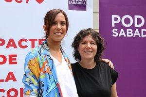 La alcaldesa de Sabadell, Marta Farrés, junto a la concejala de Podem Sabadell Marta Morell.