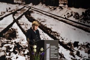 Angela Merkel en los actos del 70 aniversario de la liberación de los presos de Auschwitz.