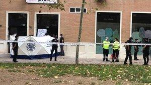 Matan a cuchilladas al hermano del consejero Villegas en el portal de su casa de Murcia.