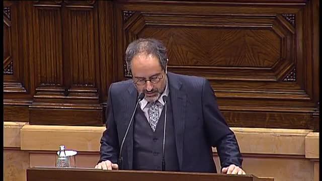 El lider de la CUP, Antonio Baños, ha anunciado en la tribuna de oradores que votarán no a la investidura del convergente Artur Mas. Es un no tránquilo, ha señalado.