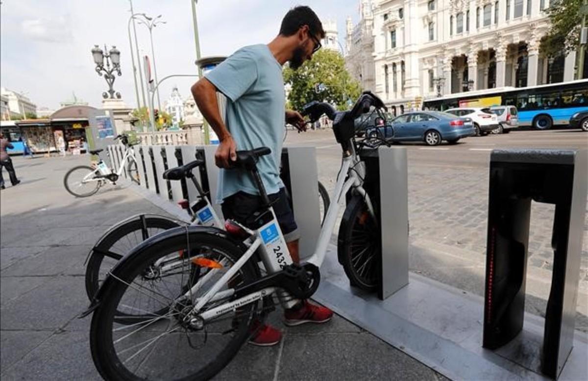 Madrid 'desprivatiza' el 'bicing' por su mal funcionamiento