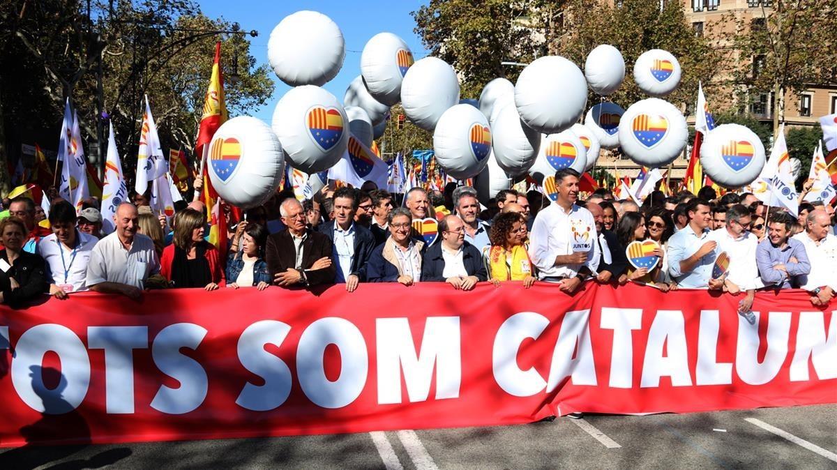 Cabecera de la manifestación en el Passeig de Gràcia.