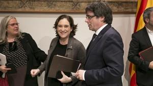 La carta de Puigdemont y Colau a Rajoy y al Rey por un referéndum pactado