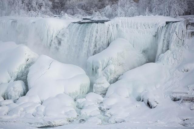 Las cataratas del Niágara vuelven a congelarse