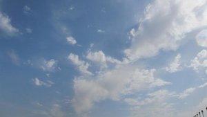 En la mayor parte del país se esperan cielos poco nubosos o con nubes altas.