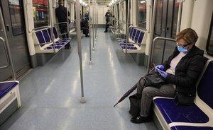 Vagón de metro en La Sagrera, a las siete y media de la mañana, el martes.