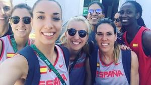 El equipo de baloncesto, en un selfi.
