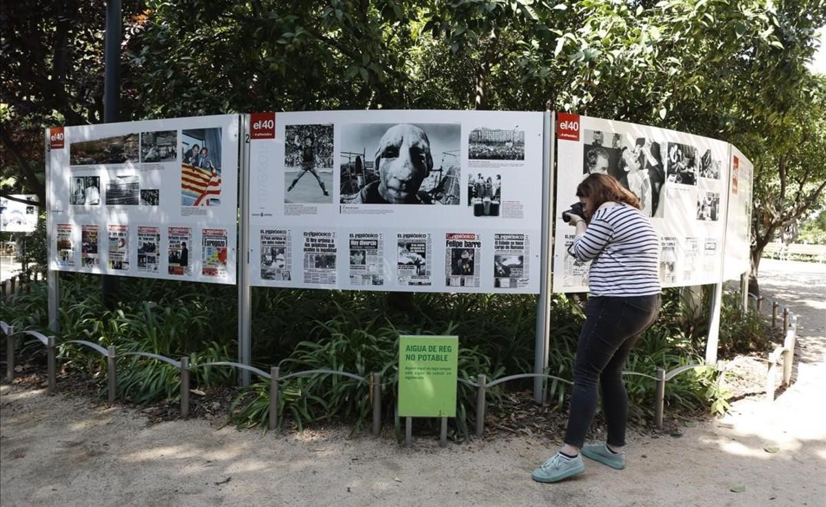 Exposición sobre los 40 años de historia de EL PERIÓDICO en el Palau Robert.