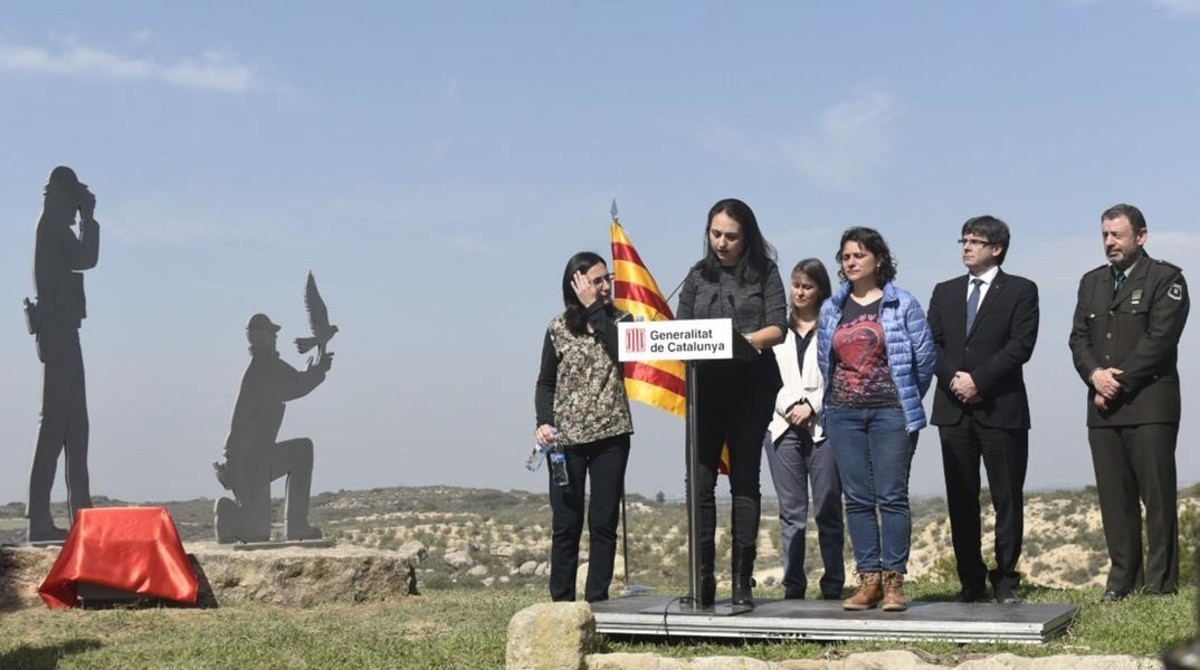 Puigdemont preside un acto cerca de Aspa en memoria de los dos agentes asesinados en enero.