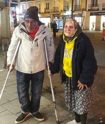 La Policía busca a los hombres que golpearon brutalmente a una anciana sintecho