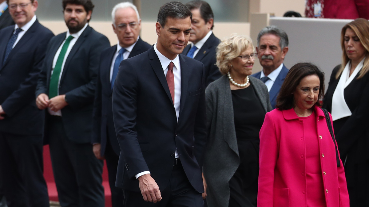 VÍDEO | Esbroncades a Sánchez en la desfilada del 12 d'Octubre