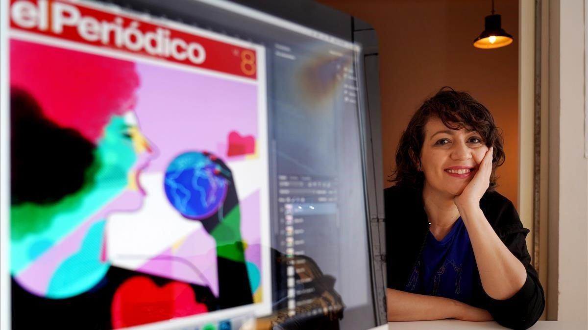 La ilustradora y dibujante de cómic Ana Galvañ, en su estudio de Madrid, con la portada del 8-M para EL PERIÓDICO en el ordenador.