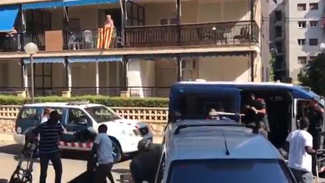 Incidents entre manters i Mossos a Salou