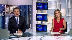 'Informativos Telecinco' baja pero sigue liderando en diciembre sobre 'Antena 3 Noticias'