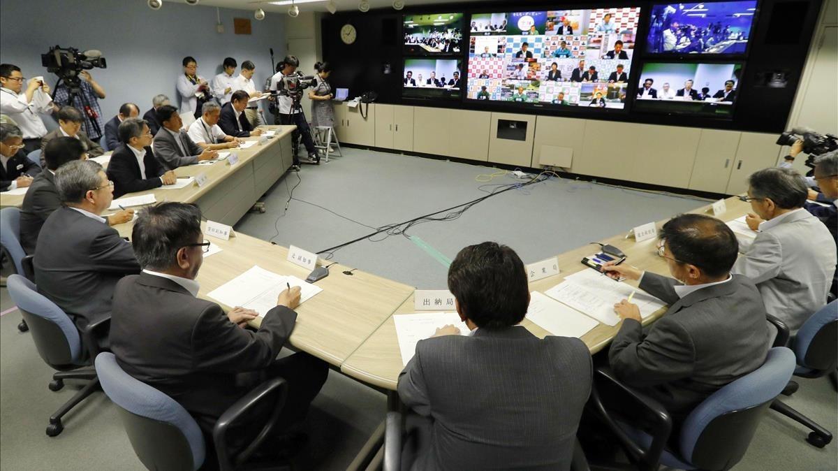 El gobierno de la isla deHokkaido sereúne en una teleconferencia tras el lanzamiento del misil norcoreano.