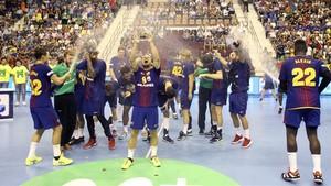 El Barça Lassa aixeca la seva 20a Supercopa Asobal
