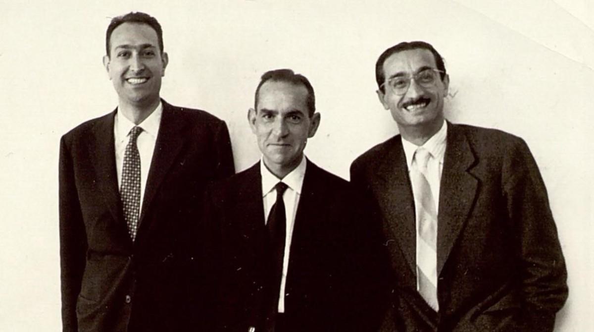 Josep Maria Castellet, Salvador Espriu y Joan Fuster en Gandia, octubre de 1959.