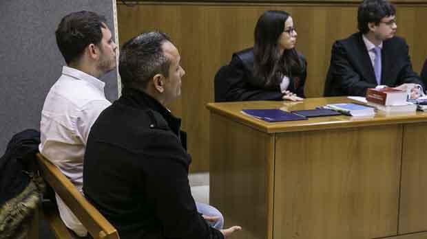 Los dos acusados durante el juicio celebrado este martes en la Audiencia de Barcelona.