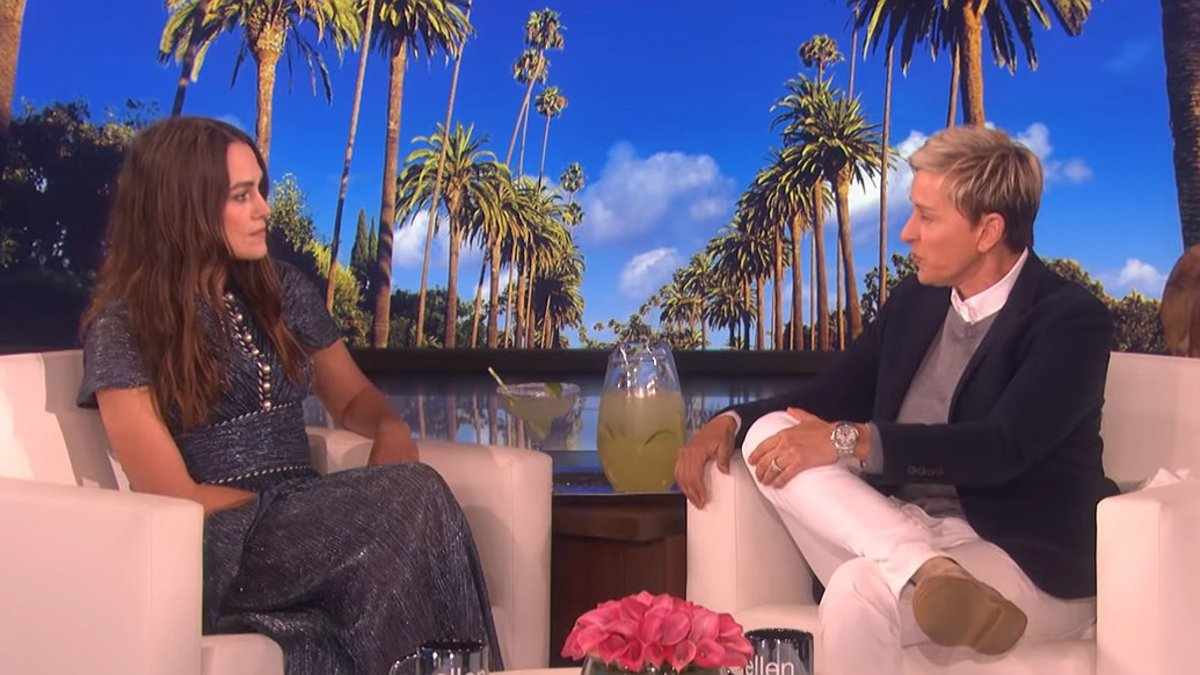 Keira Knightley y Ellen DeGeneres, este martes.