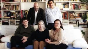 Núria Espert, junto a los responsables de la iniciativa.