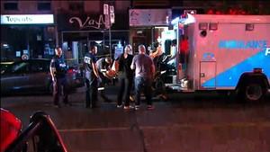Los equipos de emergencia, en el lugar del tiroteo, en Toronto.
