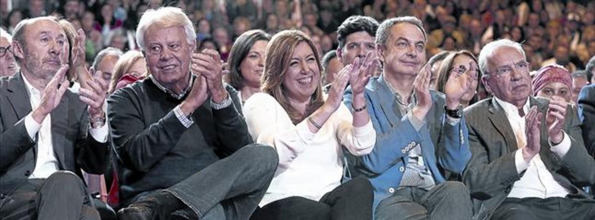 Alfredo Rubalcaba, Felipe González, José Luis Zapatero y Alfonso Guerra asistieron a la presentación de Susana Díaz a las primarias.