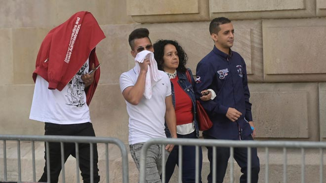 Los miembros de 'la Manada' de Manresa llegan a la Audiencia de Barcelona.