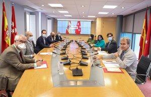 Los ministros de Sanidad y Política Territorial, Salvador Illa y Carolina Darias, con el vicepresidente y consejero de Sanidad de Madrid, Ignacio Aguado y Enrique Ruiz Escudero, este 24 de septiembre en la segunda reunión del Grupo Covid-19.