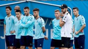 Machín dirige un entrenamiento del Espanyol.