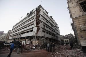 El edificio de la policía egipcia afectado por el atentado