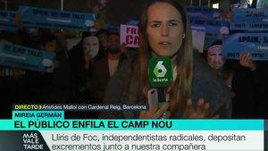 Una periodista de La Sexta, envoltada d'excrements de burro al Camp Nou