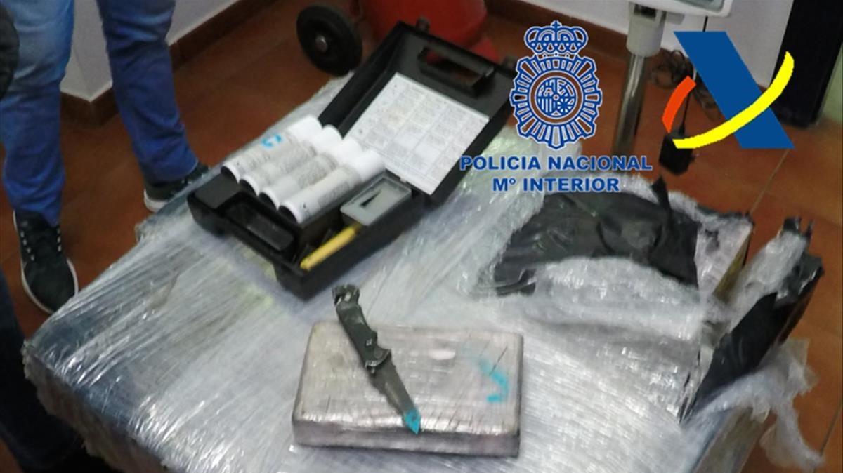 Narcotr fico en algeciras incautados 420 kilos de coca en - Policia nacional algeciras ...