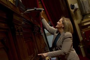 Núria de Gispert, en el Parlament.