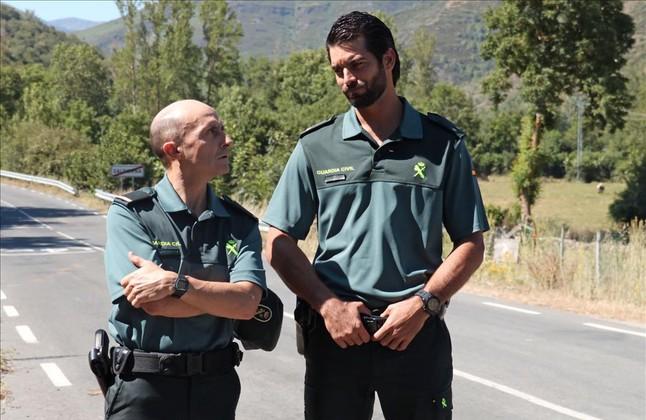 Pepe Viyuela y Rubén Cortada, en una imagen de la serie de TVE Olmos y Robles.