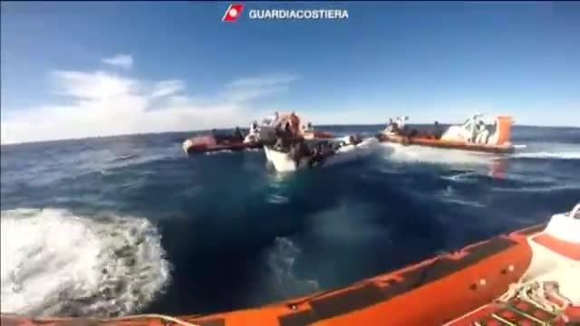 La guardia costera italiana confirma la muerte de ocho personas en el mar.