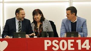 Ábalos, Narbona y Sánchez, durantela reunión de la ejecutiva del PSOE en Madrid.