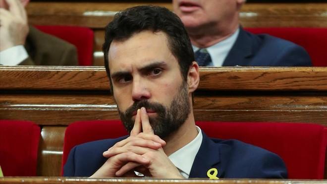 El diputado Roger Torrent (ERC), elegido como el presidente más joven de la historia del Parlament de Catalunya.