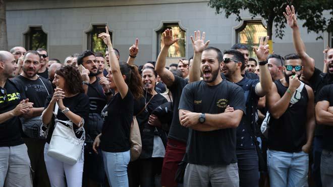 Los sindicatos avisan de que esta podría ser la primera de más movilizaciones de los Mossos.