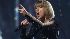 Taylor Swift, durante su actuación en los premios Grammy, el pasado febrero.