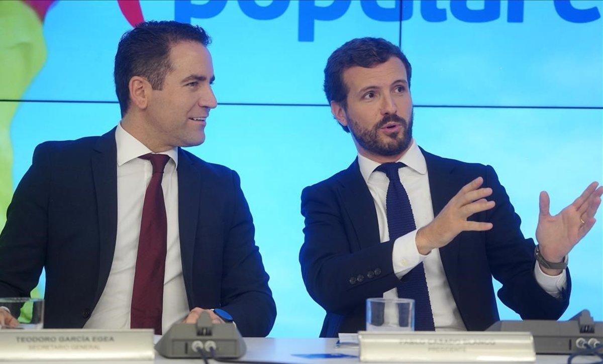 El secretario general, Teodoro García Egea, y el presidente del PP, Pablo Casado, en la reunión del pasado lunes en la sede de Génova.