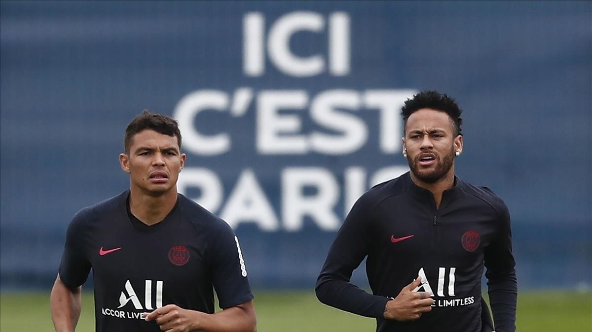 Thiago Silva y Neymar, en un entrenamiento del Paris SG.