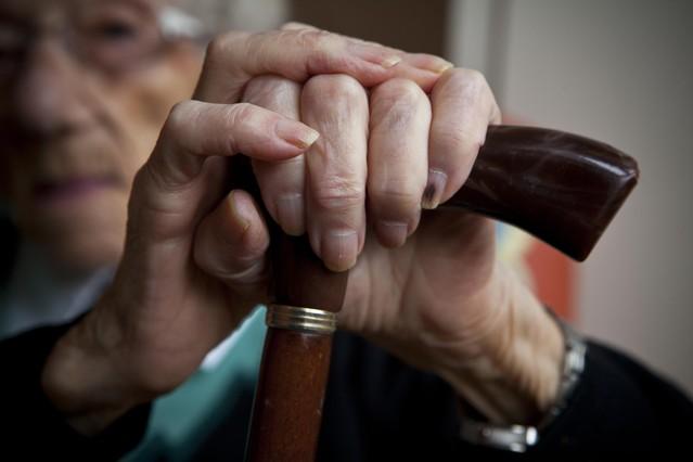 Una anciana, en una residencia de la Barceloneta.