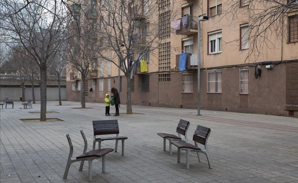 Una plaza del barrio del Besòs.