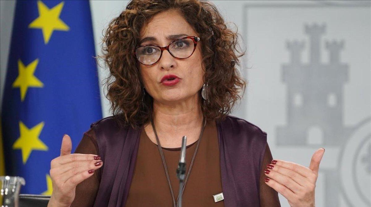 La ministra de Hacienda, María Jesús Montero, durante unarueda de prensa en la Moncloa.